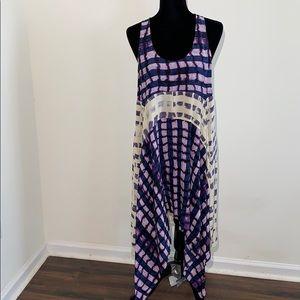 BCBG RUNWAY hankershift hem dress silk printed